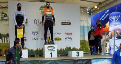 In sei al via della Marathon dell'Altopiano con Rizzi primo di categoria; sul podio anche Madaschi Marco e Fusar Bassini.